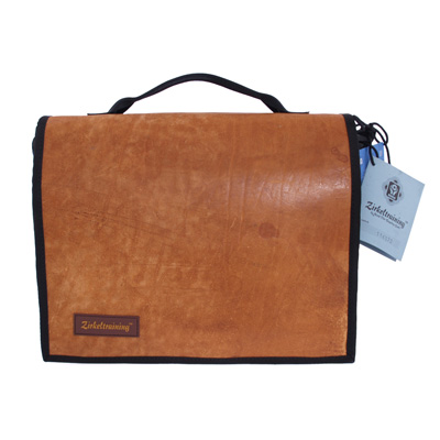 Laptoptasche aus recyceltem Sportgeräteleder und Turnmatte von Zirkeltraining™