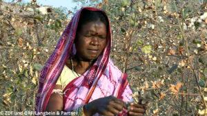 Faire Mode - Bäuerin in Indien