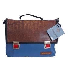 Tasche Übungsleiter in Blau aus recyceltem Sportgeräteleder und Turnmatte von Zirkeltraining™