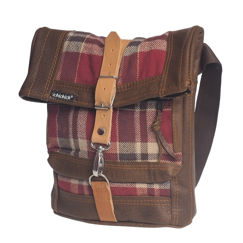 Tasche aus recyceltem Leder und Holzfällerhemd