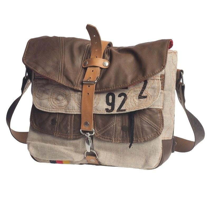 Tasche aus recyceltem Leder und Postsack